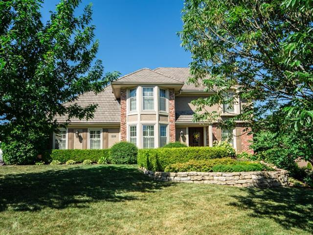 513 NE Sawgrass Court, Lee's Summit, MO 64064 (#2114243) :: Kedish Realty Group at Keller Williams Realty
