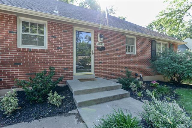 8815 Newton Drive, Overland Park, KS 66212 (#2114256) :: Kedish Realty Group at Keller Williams Realty