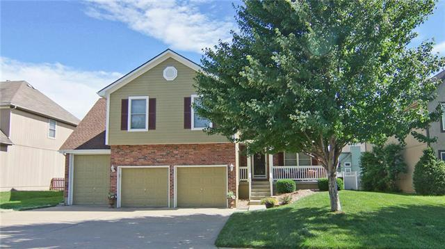 25605 E 31st Terrace, Blue Springs, MO 64015 (#2114327) :: No Borders Real Estate