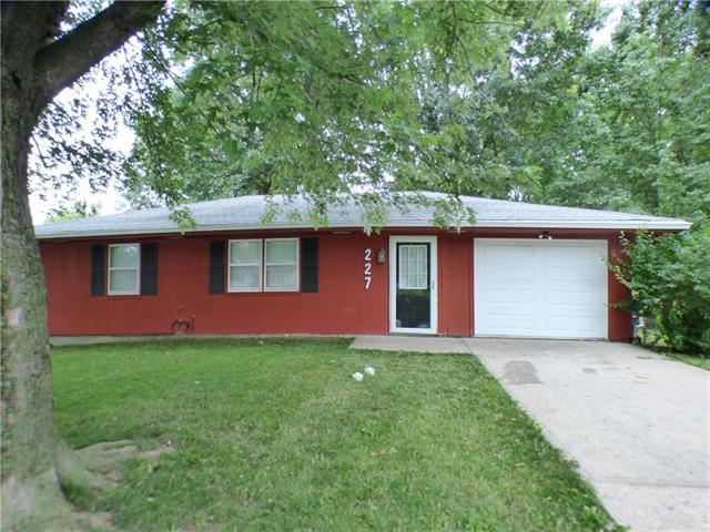 227 Carla Street, Excelsior Springs, MO 64024 (#2114383) :: Dani Beyer Real Estate
