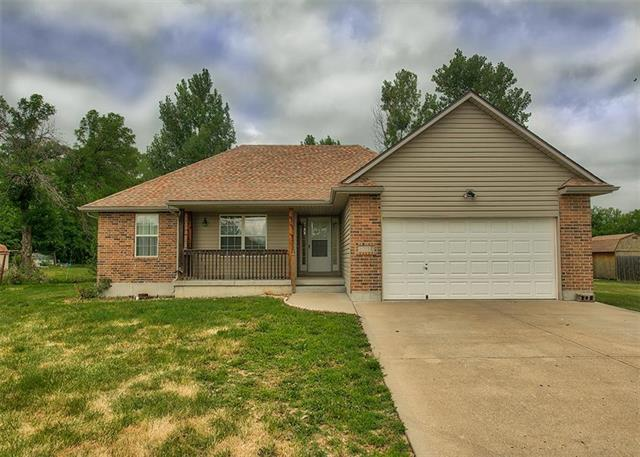 3310 S Selsa Road, Independence, MO 64057 (#2114446) :: The Shannon Lyon Group - ReeceNichols
