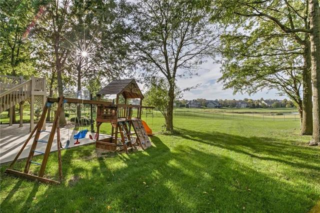12868 Bradshaw Street, Overland Park, KS 66213 (#2114565) :: Edie Waters Network