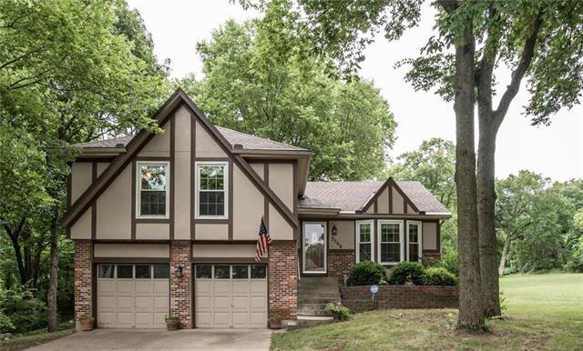 3506 Oxford Place, Grandview, MO 64030 (#2114645) :: Edie Waters Network