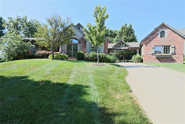 4525 Iron Horse Drive, Leawood, KS 66224 (#2114782) :: Char MacCallum Real Estate Group