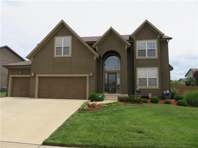 4315 N 111th Street, Kansas City, KS 66109 (#2114786) :: Char MacCallum Real Estate Group