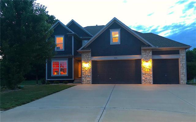 1006 Red Court, Belton, MO 64012 (#2114920) :: Edie Waters Network