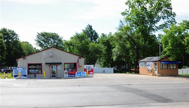 701 S Silver Street, Paola, KS 66071 (#2114936) :: Char MacCallum Real Estate Group