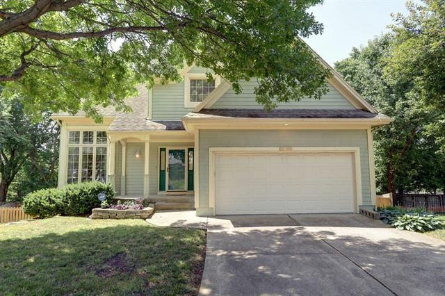 11809 W 115th Street, Overland Park, KS 66210 (#2115200) :: Edie Waters Network