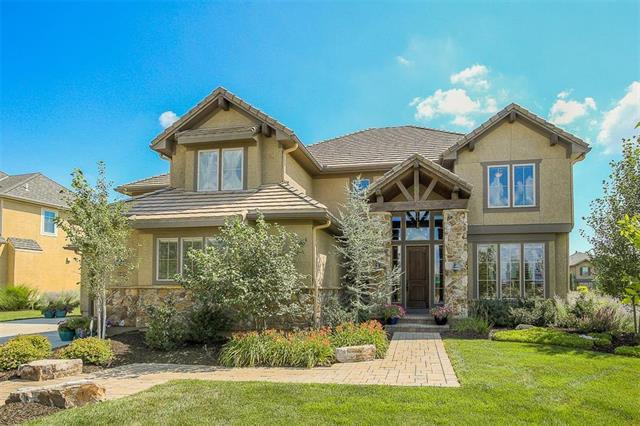 16461 Bond Street, Overland Park, KS 66221 (#2115232) :: Char MacCallum Real Estate Group