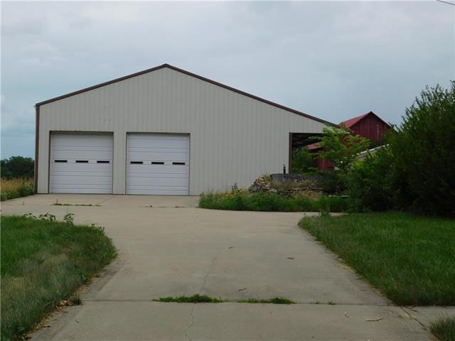 26211 S Blinker Light Road, Harrisonville, MO 64701 (#2115330) :: Edie Waters Network