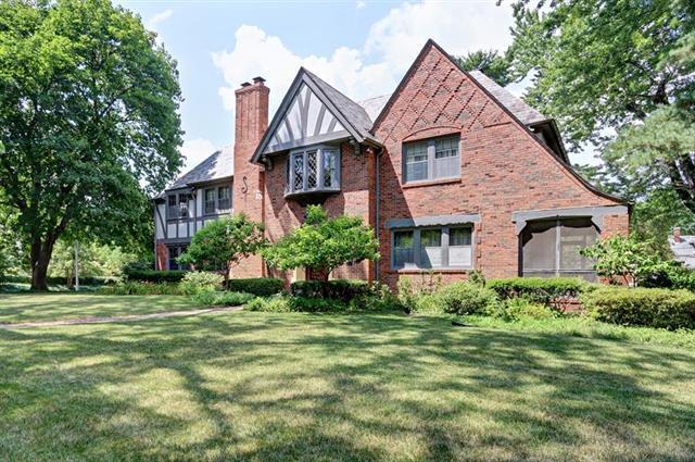 840 Westover Road, Kansas City, MO 64113 (#2115435) :: NestWork Homes