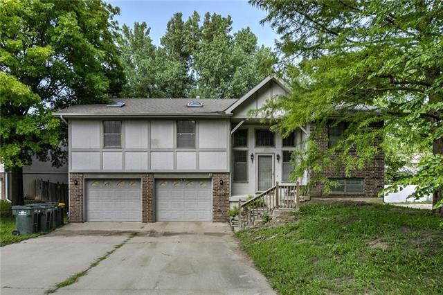 325 Oak Hill Street, Lansing, KS 66043 (#2115459) :: Edie Waters Network