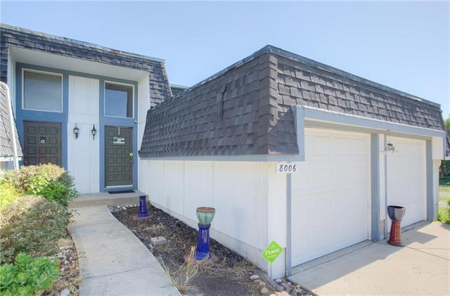 8006 E 130th Court, Grandview, MO 64030 (#2115543) :: Edie Waters Network