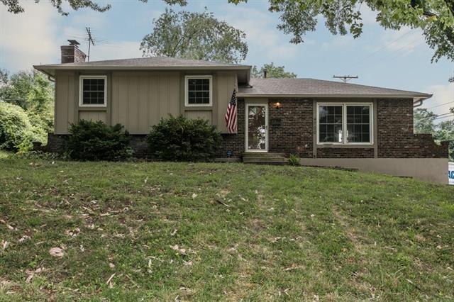 4700 Bond Street, Shawnee, KS 66203 (#2115613) :: Char MacCallum Real Estate Group