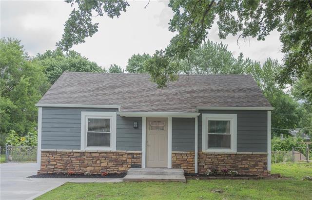 2905 Highland Drive, Kansas City, KS 66106 (#2115644) :: Edie Waters Network