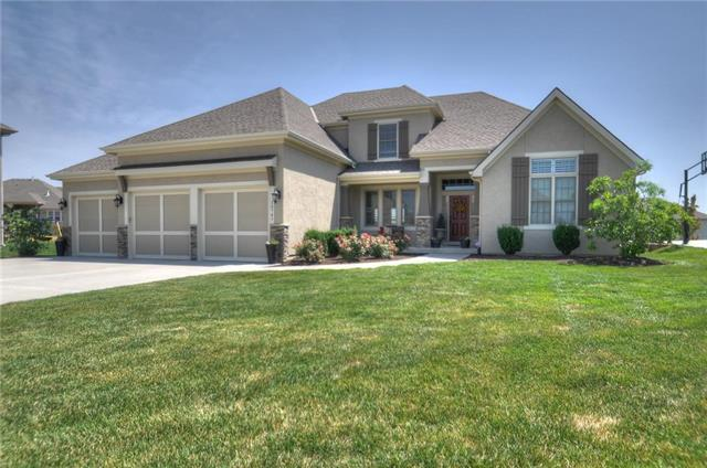 15741 Falmouth Street, Overland Park, KS 66224 (#2115663) :: Edie Waters Network