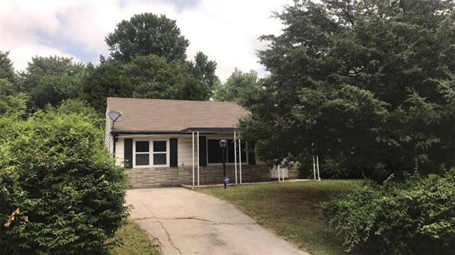 5002 Harmony Drive, Kansas City, KS 66106 (#2115683) :: Edie Waters Network