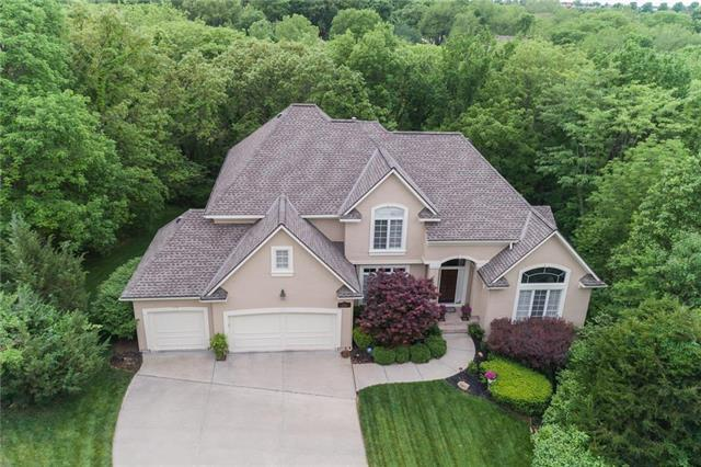 1705 NW Fawn Place, Blue Springs, MO 64015 (#2115704) :: Edie Waters Network