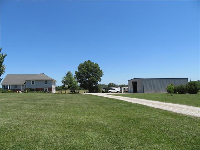 31829 Plum Creek Road, Paola, KS 66071 (#2115713) :: Edie Waters Network