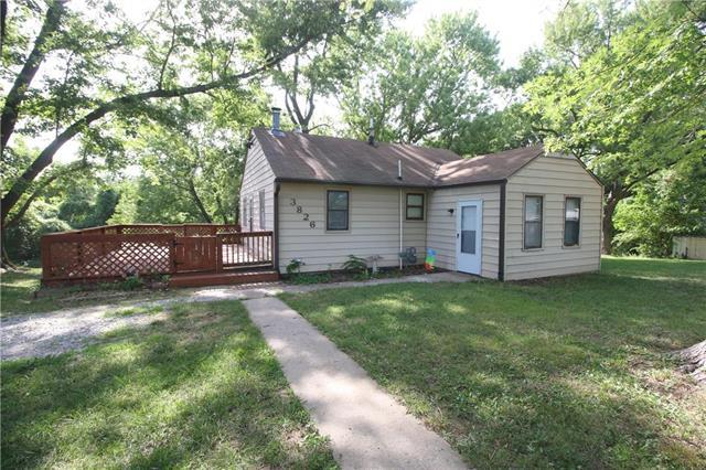 3826 N Denver Avenue, Kansas City, MO 64117 (#2115721) :: Edie Waters Network
