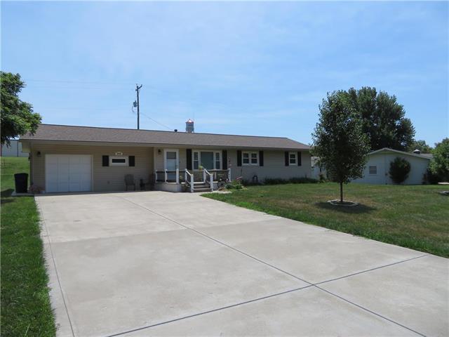 306 Westview Road, Mclouth, KS 66054 (#2115748) :: No Borders Real Estate