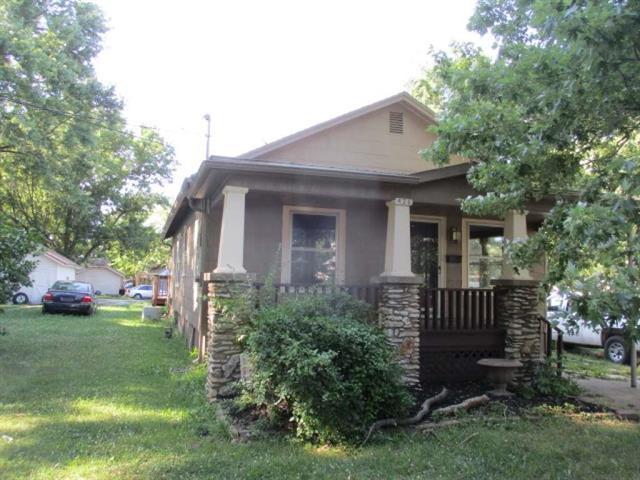 426 Walnut Avenue, Osawatomie, KS 66064 (#2115778) :: Edie Waters Network