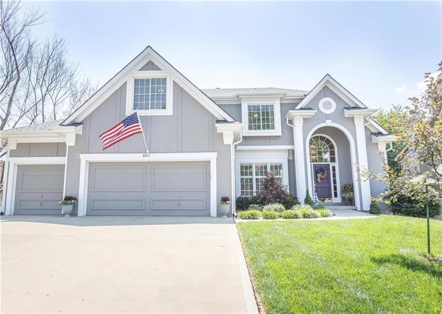 9211 N Tracy Avenue, Kansas City, MO 64155 (#2115998) :: NestWork Homes