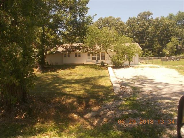 208 E 165 Street, Belton, MO 64012 (#2116034) :: Edie Waters Network