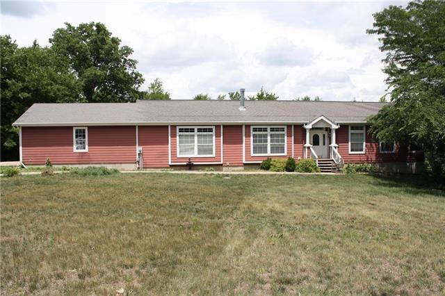 20050 W 391 Street, Fontana, KS 66071 (#2116035) :: Edie Waters Network