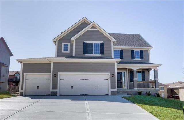 1527 Grandshire Drive, Raymore, MO 64083 (#2116080) :: Char MacCallum Real Estate Group