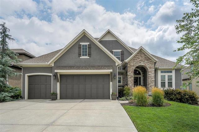 16601 Cody Street, Overland Park, KS 66221 (#2116082) :: Kansas City Homes