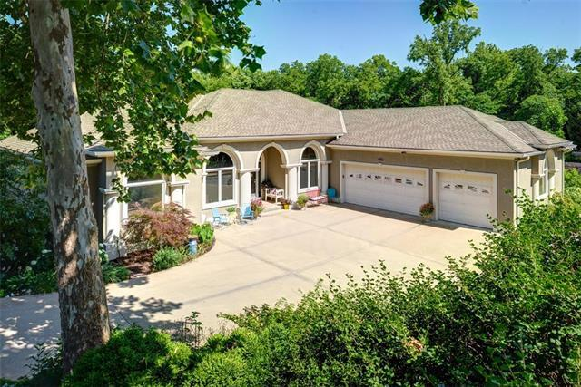 13250 NW 61st Street, Parkville, MO 64152 (#2116083) :: Edie Waters Network