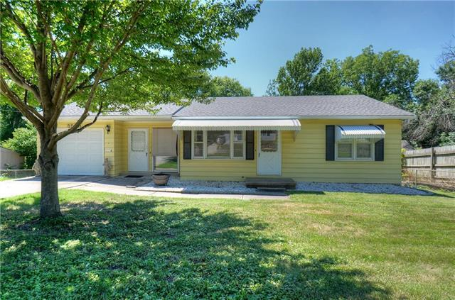 1508 S Mccoy Street, Independence, MO 64055 (#2116162) :: Edie Waters Network