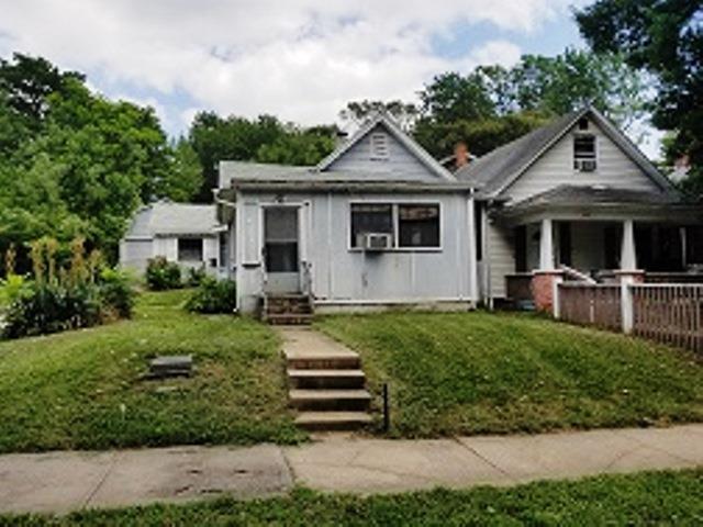 427 Bellaire Avenue, Kansas City, MO 64123 (#2116192) :: Edie Waters Network