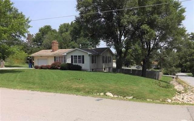 108 E Jefferson Street, Oskaloosa, KS 66066 (#2116222) :: Edie Waters Network