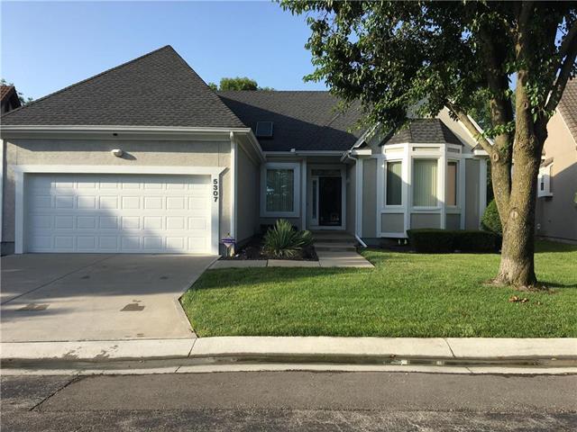 5307 W 122nd Terrace, Overland Park, KS 66209 (#2116227) :: Edie Waters Network