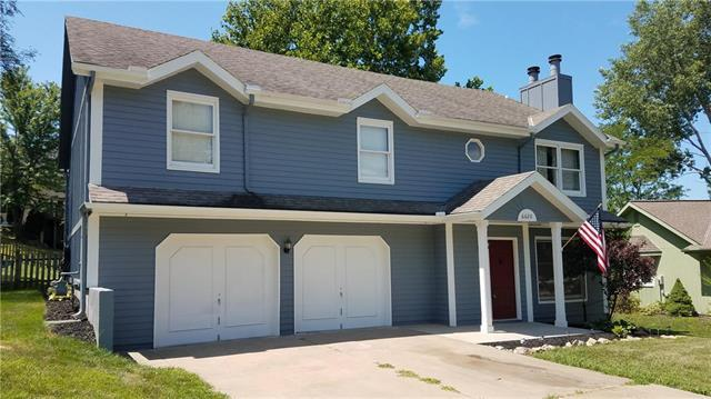 6620 NW Hidden Valley Road, Parkville, MO 64152 (#2116488) :: Edie Waters Network