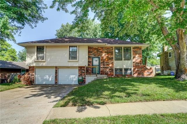 19108 E 13TH Terr N Terrace, Independence, MO 64056 (#2116503) :: Edie Waters Network