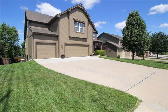 9028 N Bellefontaine Avenue, Kansas City, MO 64156 (#2116563) :: Edie Waters Network