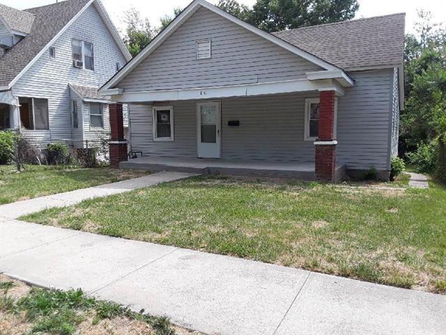 4141 Brooklyn Avenue, Kansas City, MO 64130 (#2116572) :: Edie Waters Network