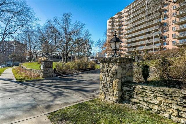 4550 Warwick Boulevard #605, Kansas City, MO 64111 (#2116776) :: Team Real Estate