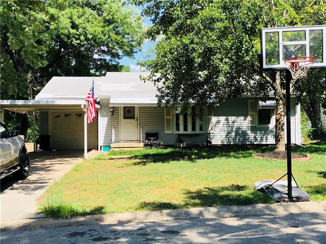 2901 Mason Avenue, Independence, MO 64052 (#2116807) :: Edie Waters Network
