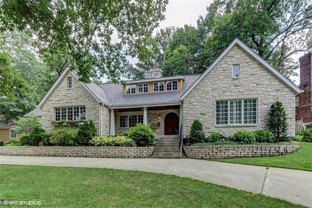 5732 Windsor Drive, Fairway, KS 66205 (#2116832) :: Char MacCallum Real Estate Group