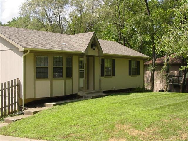 228 SE 101 Road, Warrensburg, MO 64093 (#2116866) :: Edie Waters Network