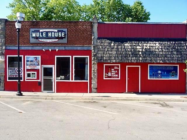 132 W Pine Street, Warrensburg, MO 64093 (#2116909) :: Edie Waters Network