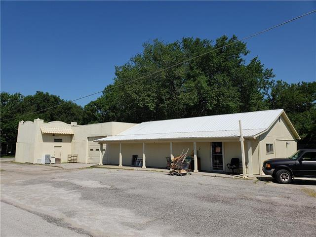 205 E 6th Street, Pleasanton, KS 66075 (#2116911) :: No Borders Real Estate