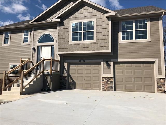 20203 W 220th Terrace, Spring Hill, KS 66083 (#2117050) :: Char MacCallum Real Estate Group