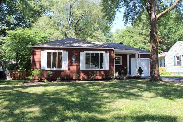 5342 Nall Avenue, Roeland Park, KS 66202 (#2117105) :: Char MacCallum Real Estate Group