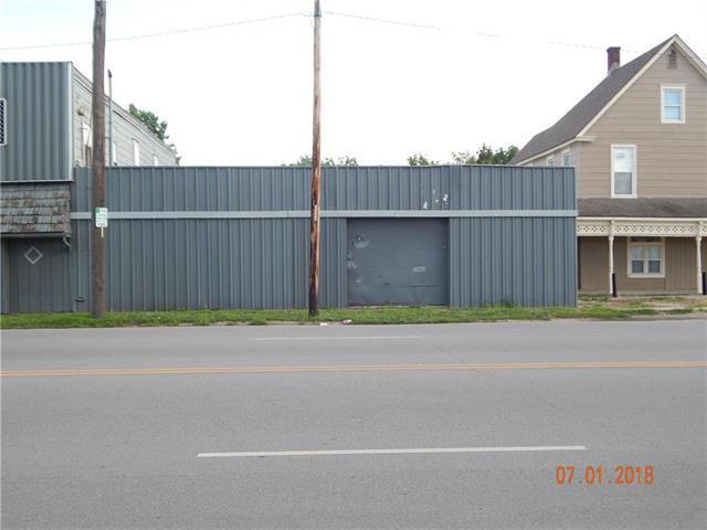 6511 Stadium Drive, Kansas City, MO 64129 (#2117108) :: Edie Waters Network