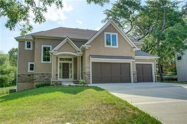 7701 Darnell Street, Lenexa, KS 66216 (#2117255) :: NestWork Homes